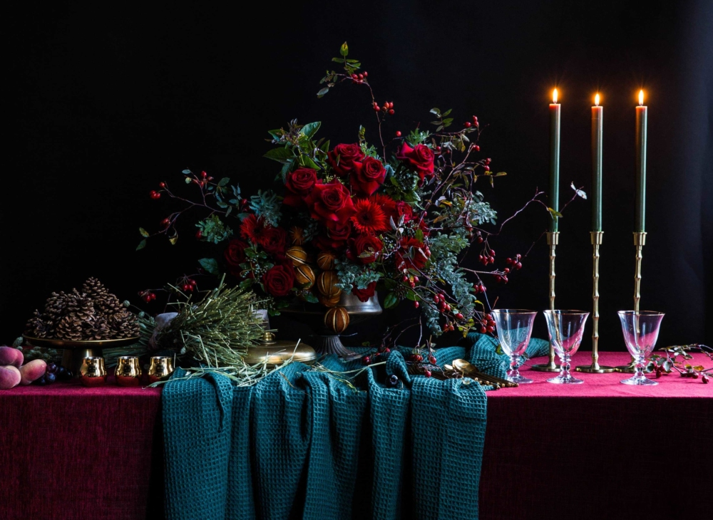 London_flower_school_christmas_xmas_table_arrangement_floristry_course_dark_background_candles